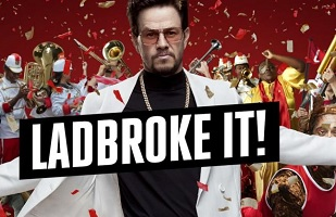 Mark Wahlberg schittert in Ladbrokes commercial
