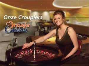 Een van de Nederlandse live croupiers bij Oranje Casino